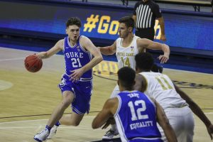 Duke hoop finds rhythm with three guards; football adds 18 recruits